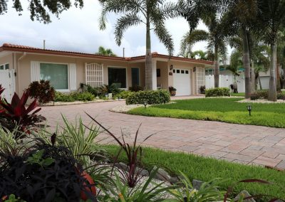 homeowner-front-yard-serviced-by-always-green-lawn-care-2